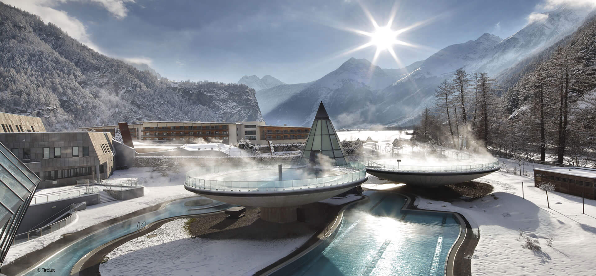 In Längenfeld, fans of wellness will get their money's worth at the Aqua Dome spa in Tyrol.