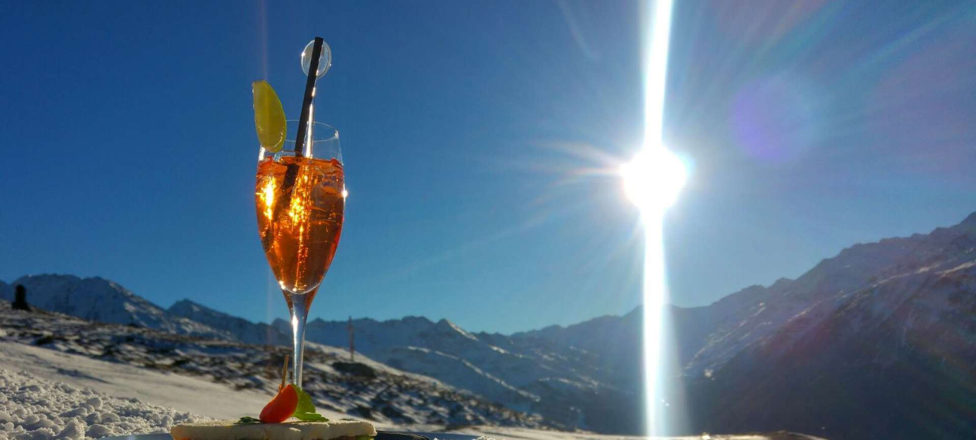 Sun, snow and the deep blue sky - these are the most important ingredients of a perfect skiing day.